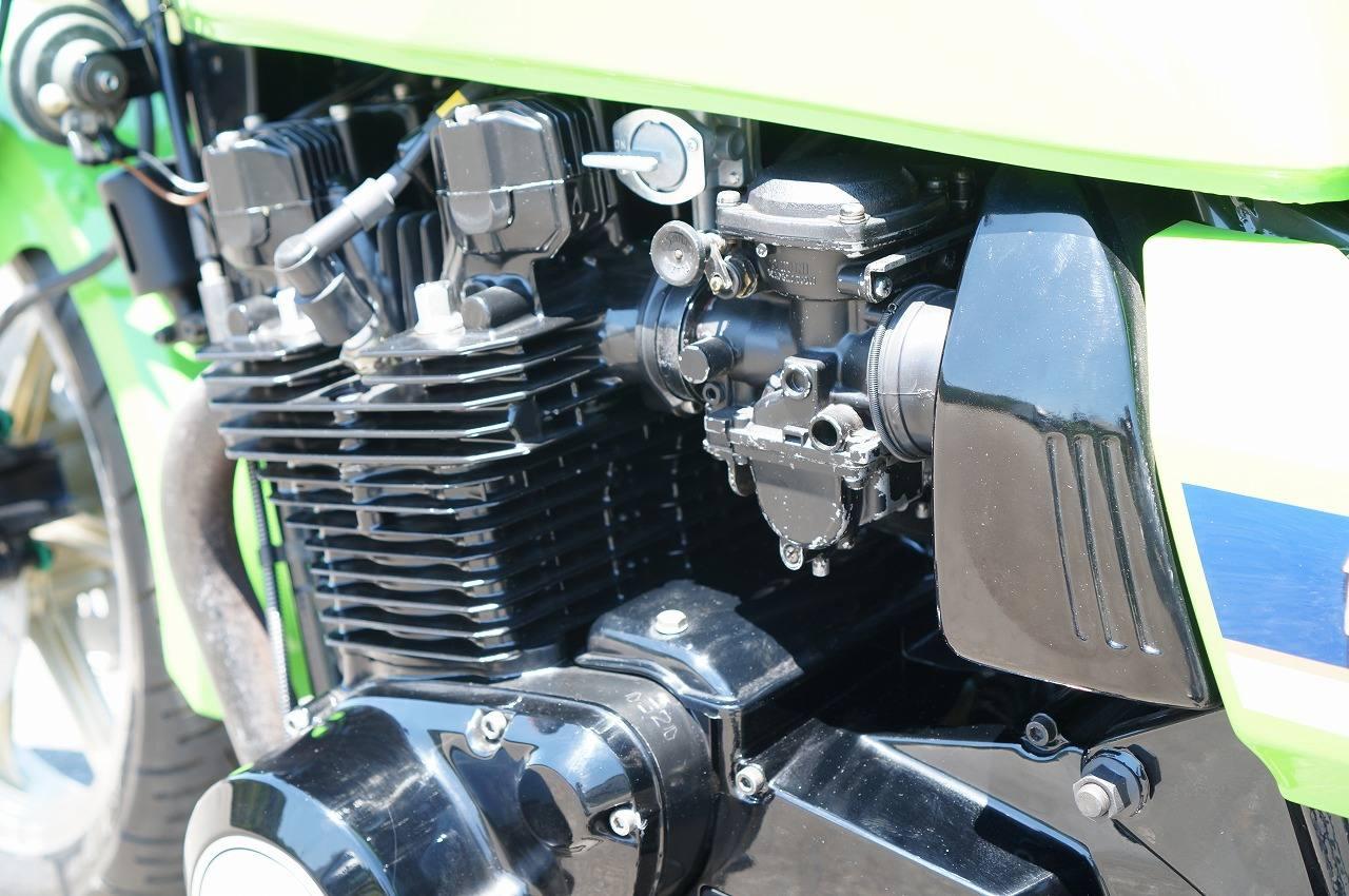 Z1100R エンジン左斜め後ろ